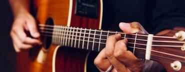 Chitară – Muzică folk